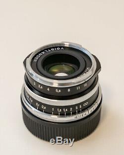 Voigtlander Ultron 35mm f/2 Aspherical Leica M Mount Lens Mint Condition